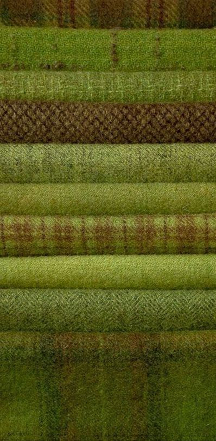 fall-winter trends 2018 - 10 Upholstery Fabrics To Decorate Any Space fall-winter trends Fall-Winter Trends: 12 Upholstery Fabrics To Decorate Any Space Fall Winter Trends 2018 10 Upholstery Fabrics To Decorate Your Favourite Space 31