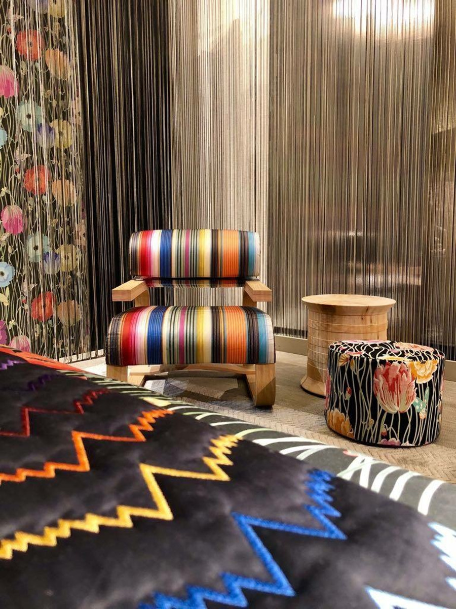 Fabrics with bright colours always leaves us with a good atmosphere -> it is the perfect element to incorporate in your home design! maison et objet Maison et Objet Sept: The Best Fall Trends For Upholstery Fabrics Maison et Objet September The Best Fall Trends For Your Upholstery Fabrics 6