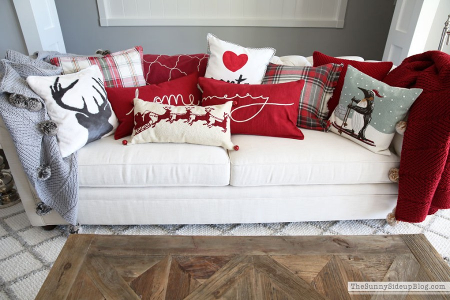 The Best Pillows for your Christmas Decor best pillows The Best Pillows for your Christmas Decor The Best Pillows for your Christmas Decor6