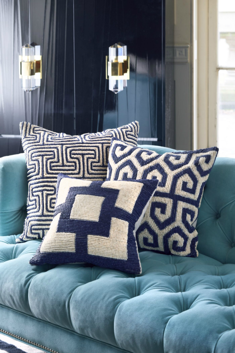 Upholstery Fabrics Inspiration: How to Style with Decorative Pillows upholstery fabrics inspiration Upholstery Fabrics Inspiration: How to Style with Decorative Pillows Upholstery Fabrics Inspiration How to Style with Decorative Pillows6